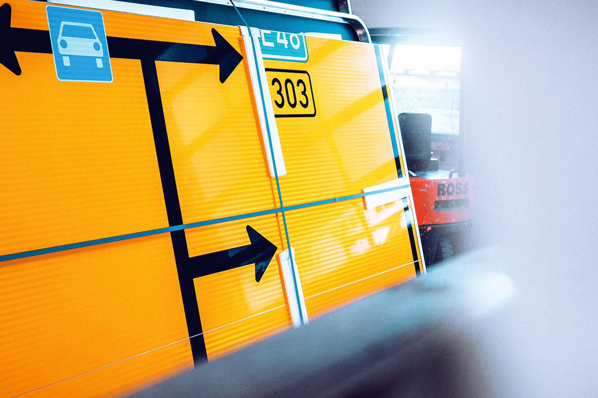 Straßenverkehrsschild von Bremicker | eggheads.net